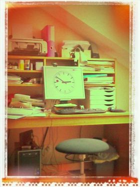 My Ph.D. office / Mon bureau de thésarde