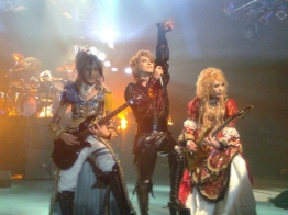 Teru, Kamijo and Hizaki, Versailles ~Philharmonic Quintet~ in Santiago, Chile, Teatro Teletón. METHOD OF INHERITANCE TOUR (June 6, 2010).